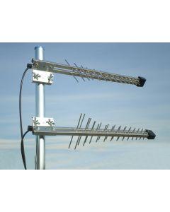 Iskra P-54 MIMO 3G/4G/LTE/GSM-suunta-antennipaketti (2 antennia), 900 MHz 2 x  8,3 dBi, 1800 MHz 2 x 12 dBi, 2100 MHz 2 x 12 dBi